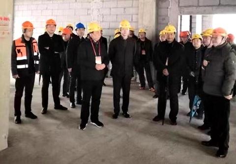 市、区人大代表视察前京小学新建项目